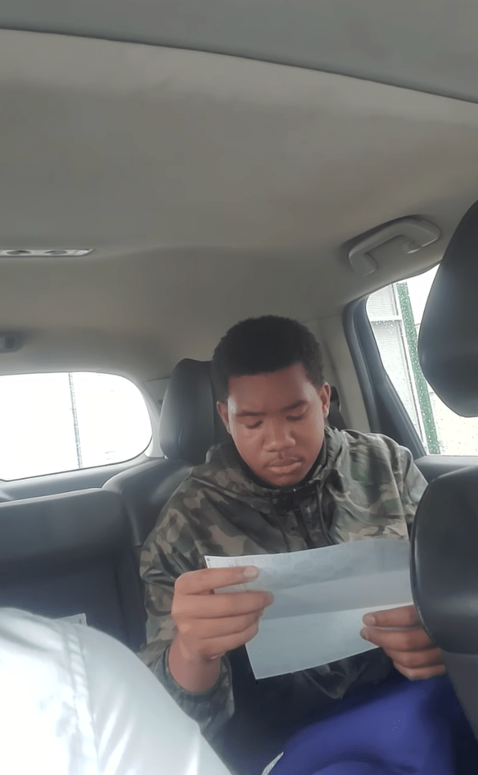 Joven se deprime al descubrir los impuestos en su primer salario y se vuelve viral