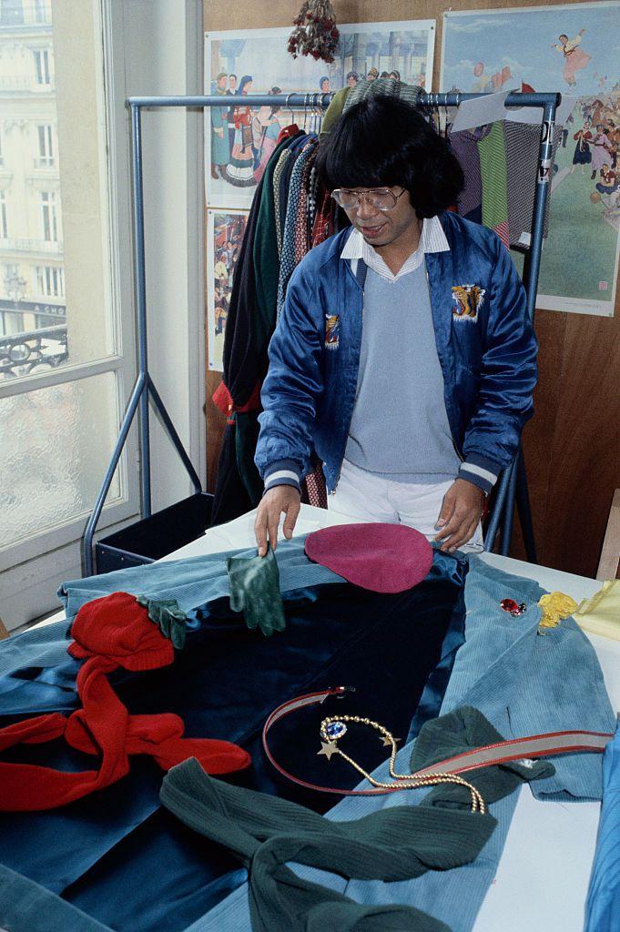 El diseñador Kenzo Takada muere a los 81 años después de contraer coronavirus