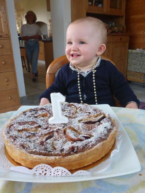 Adélie fête son premier anniversaire chez des Warmshowers | Adélie celebrates her birthday with Warmshowers