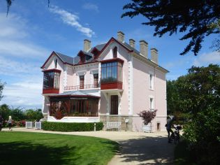 Maison de Chrisitian Dior à Granville | House of Chrisitian Dior in Granville