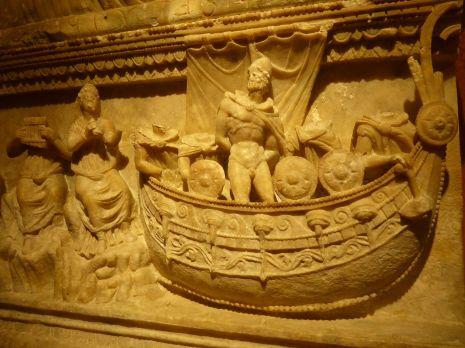 Urne funéraire étrusque | An etruscan funeral urn