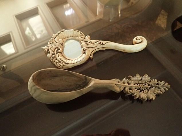 Sculptures de Sahar   Carving of Sahar
