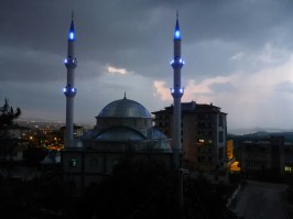 Mosquee vue de notre chambre | Mosque from our room