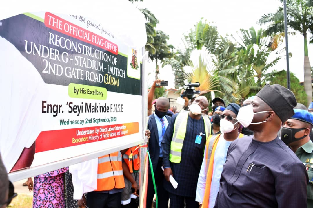 > 3: Oyo State Governor, Engr Seyi Makinde (second right); his deputy, Engr Rauf Olaniyan (second left); Secretary to the State Government, Mrs Olubamiwo Adeosun (left) and Chief of Staff, Chief Bisi Ilaka during the Flag-Off of Light-Up Oyo State, Phase 2 and reconstruction of Under G to Stadium to Lautech 2nd gate road, Ogbomoso Area of Oyo State. PHOTO: Oyo State Government.
