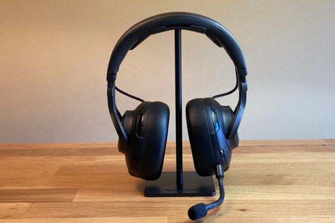 Photo_Mar_27_11_01_28_AM-720x480 JBL Quantum One Gaming Headset Review | IGN