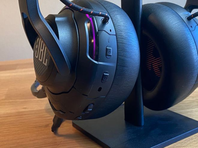 Photo_Mar_27_11_08_25_AM-720x540 JBL Quantum One Gaming Headset Review | IGN