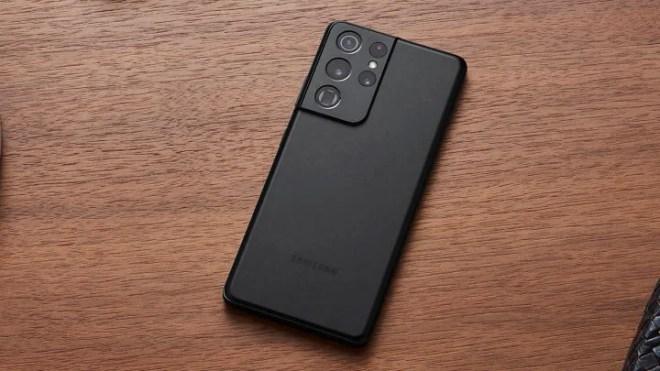 10_galaxys21_ultra_lifestyle_black_201230064726-720x405 The Samsung Galaxy S21 Ultra Finally Gets a Real QHD+ 120Hz Display   IGN