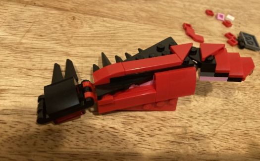 We Build The LEGO Marvel Carnage Head, Which Oozes Symbiotic Terror 4