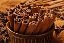 cinnamon-sticks-in-brown-ramekin