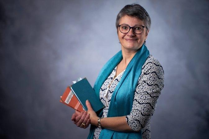 Stephanie Hénocque, gérante de la société Ozarmonie