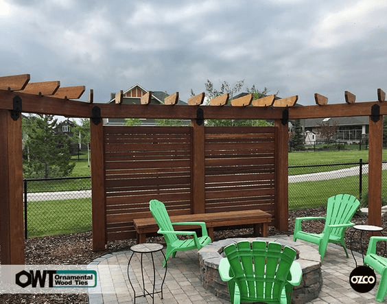 A DIY Privacy Screen Makes A Simple, Attractive Addition