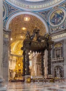 Baldaken Bernini Sunak St Peter Bazilika