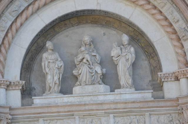 Basilica di San Petronio statues Bologna Italy