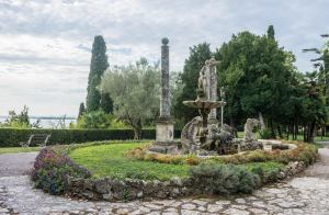 Sirmione Villa Cortine Bahçe Peyzaj Italya