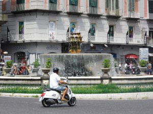 Naples vespa fountain