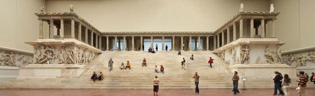 Pergamon museum altar (Wikipedia, Lestat)