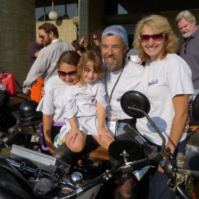 Paul and the Ousey family during the Cannonball 2104.