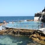 オーストラリアにあるブロンテロックプールの魅力や場所は?天然海水プールで人気!
