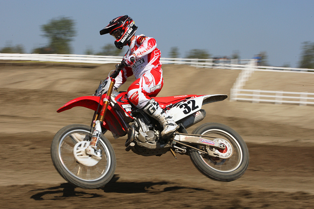 Tommy Hahn #32 on Muscle Milk Factory Honda