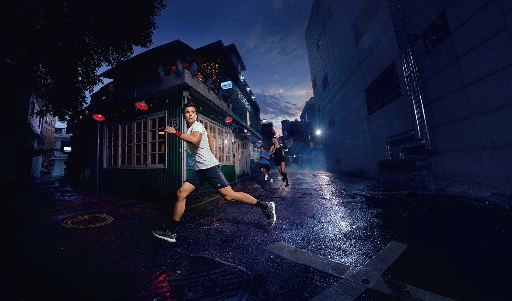Run through the streets and adapt to