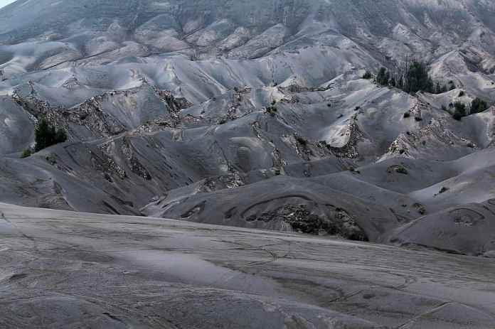Bromo Gunung Sand East Java Java Indonesia Volcano Mountain Volcanism Eruption Sand Stone Pikist