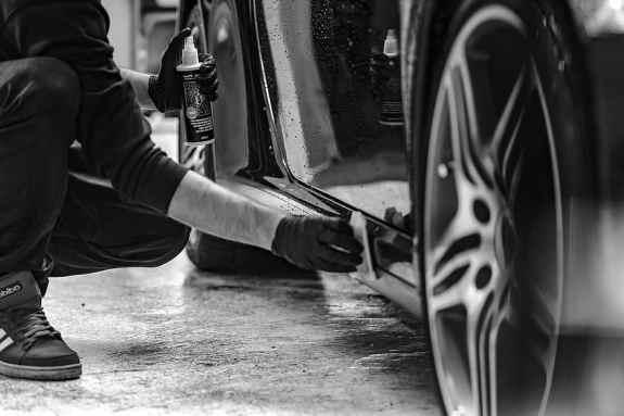 simple car polishing