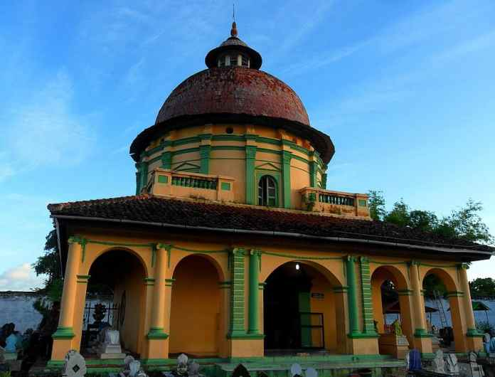 Makam Asta Tinggi Sumenep Madura East Java Indonesia Graves History Architecture Historical Historic Sites Historic Buildings Pikist
