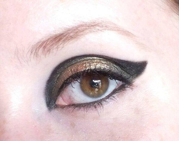 makeup-rock-gothic-urban-decay-oraculum-blackout-smuf-dark