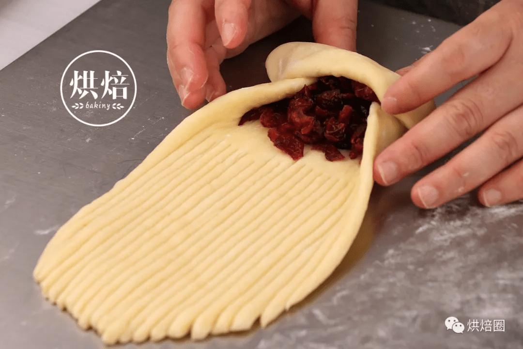好多人都在做的毛線球麵包奶香十足能拉絲用手撕著吃巨爽