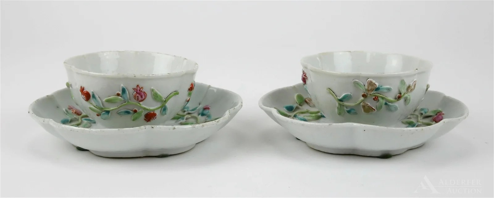 Chinese Export Tea Bowls and Saucers