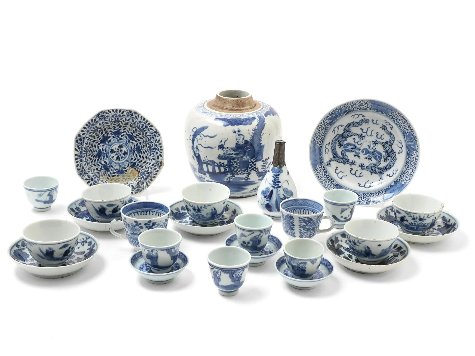 Twenty-Five Chinese Blue and White Porcelain Articles