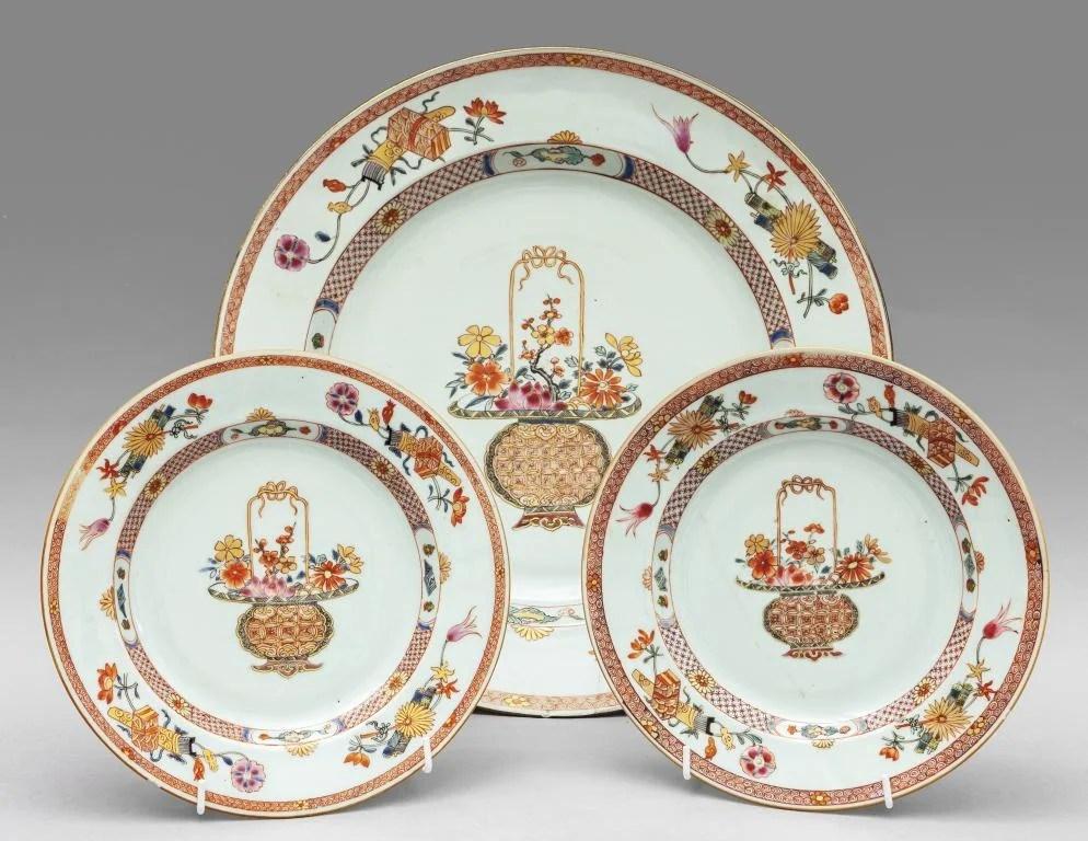 Tre piatti in porcellana, Compagnia delle Indie