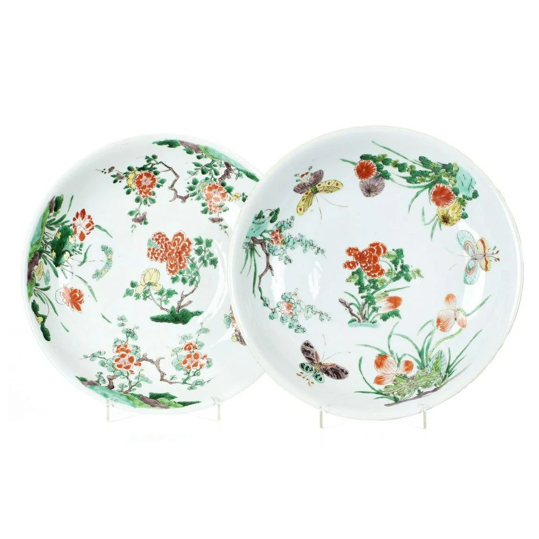 Pair of large famille-verte plates in chinese