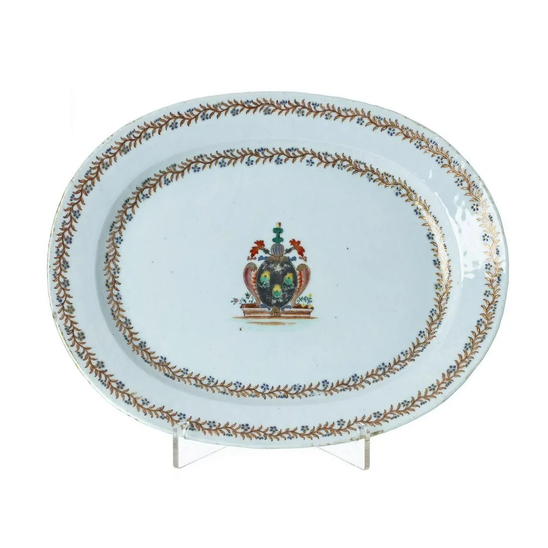 Chinese export Armorial platter, Jiaqing
