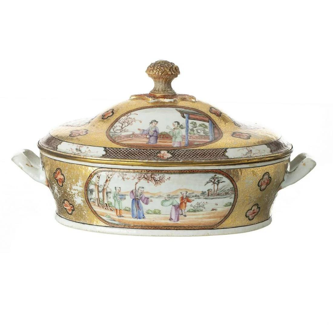 Chinese porcelain 'Mandarin' tureen, Jiaqing