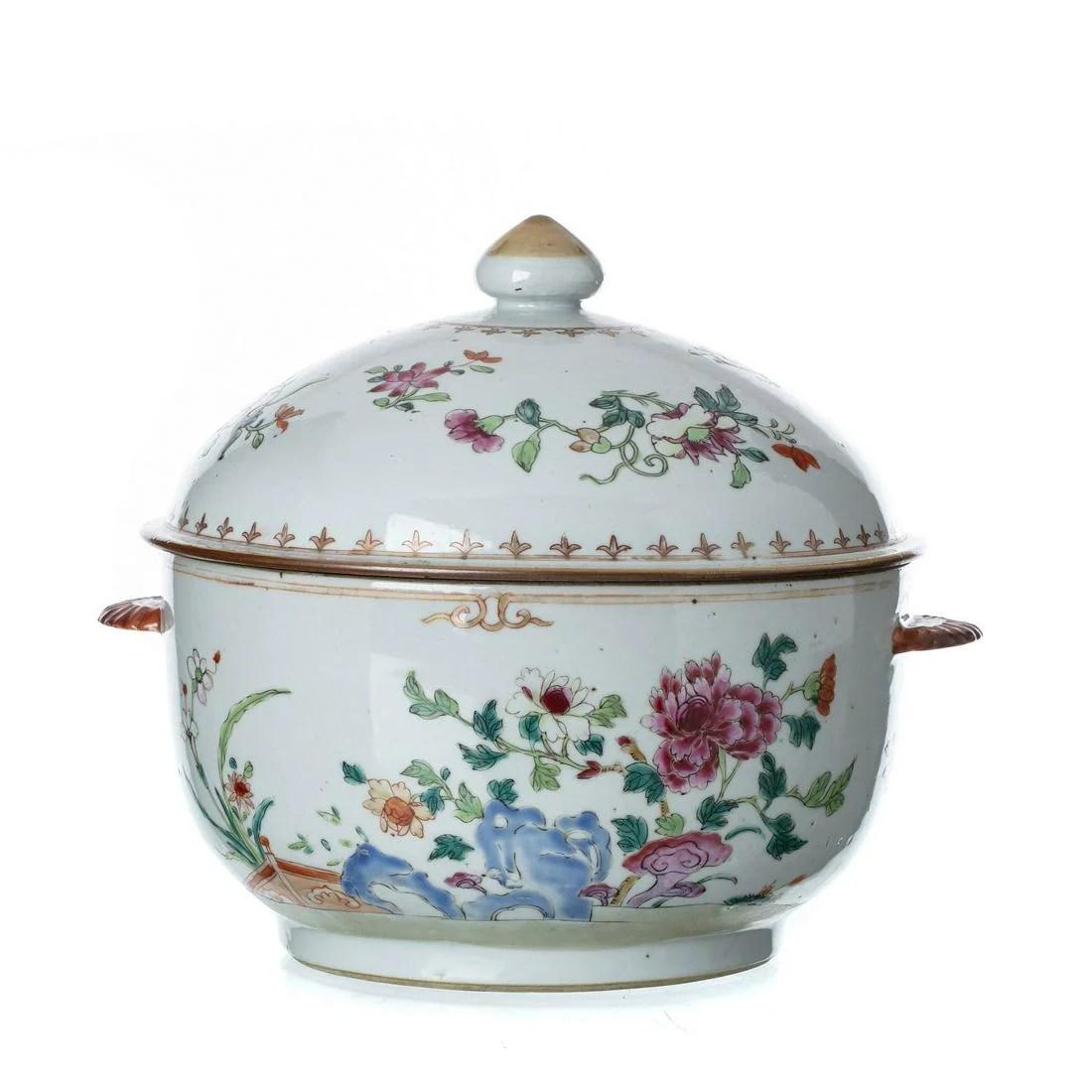 Chinese porcelain famille-rose tureen, Qianlong