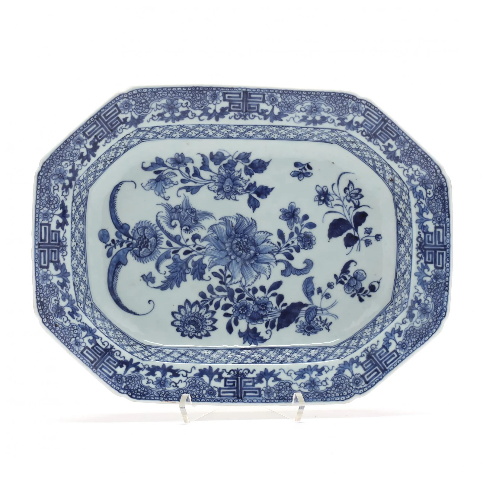 A Chinese Export Porcelain Blue and White Platter