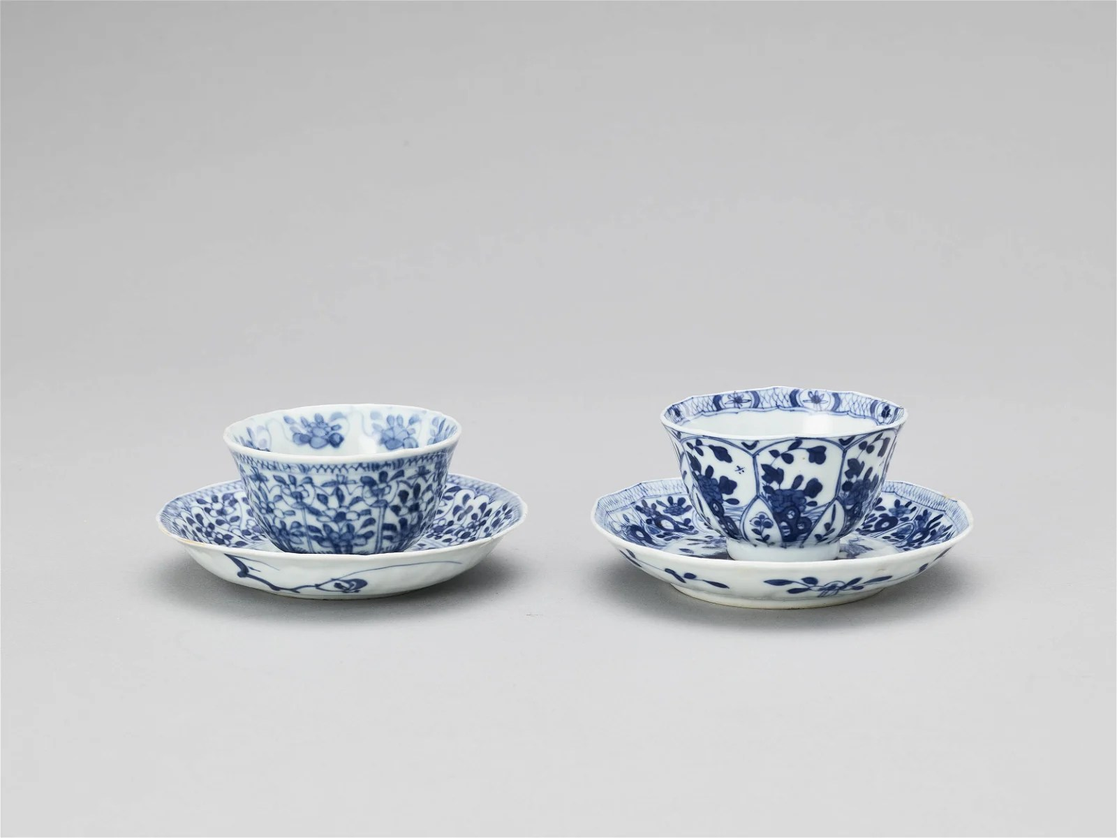 A PAIR PORCELAIN CUPS WITH MATCHING PLATES, KANGXI