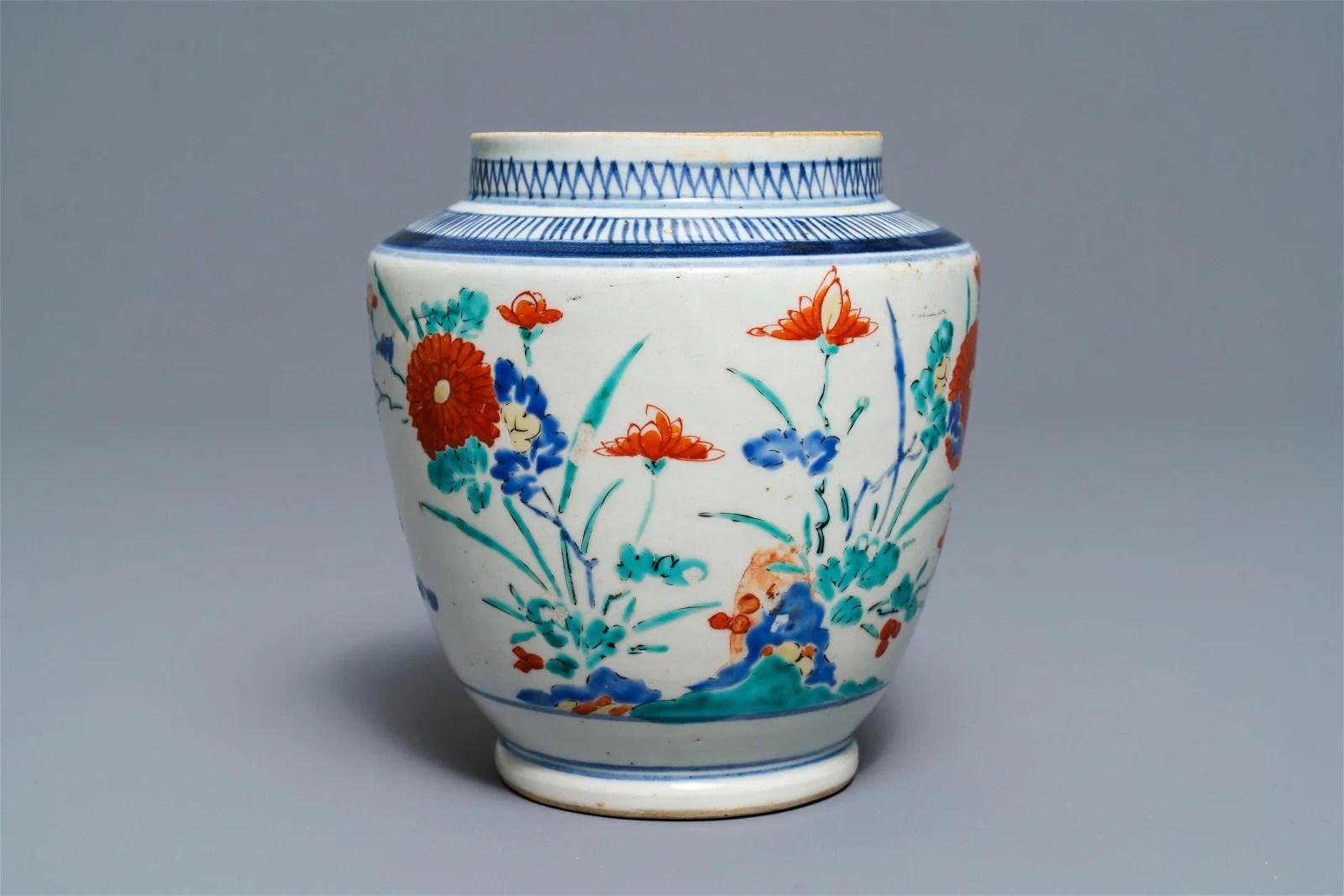 A polychrome Japanese Kakiemon vase with floral design,