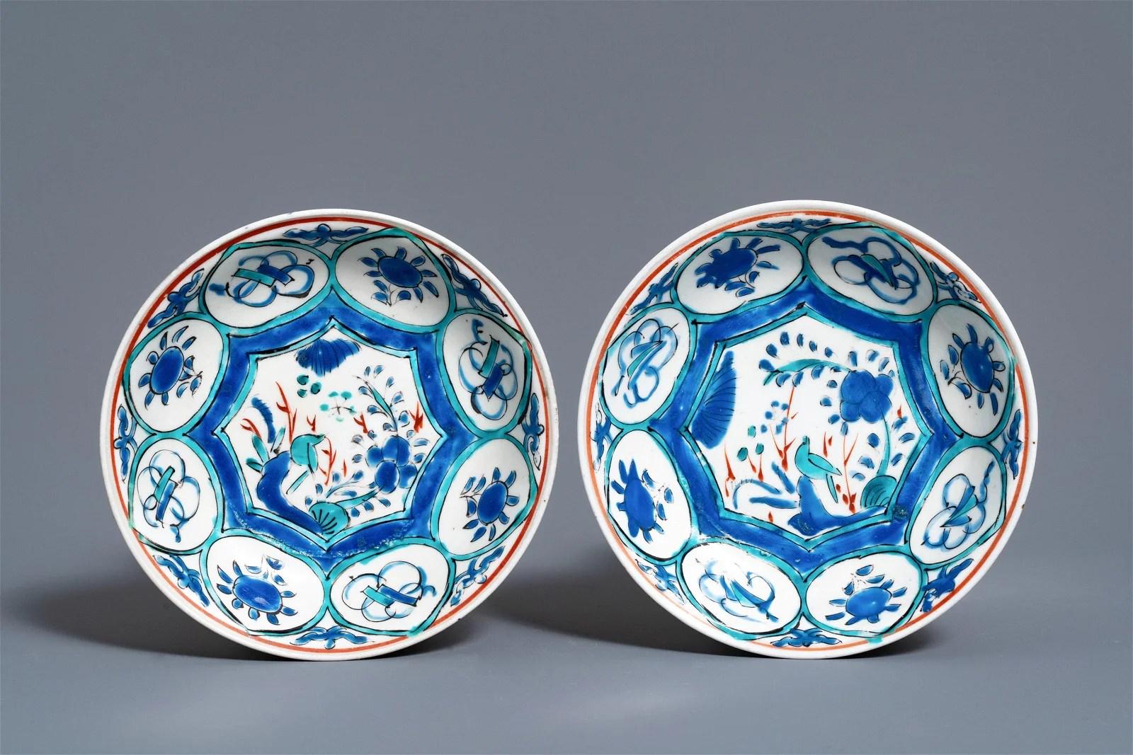 A pair of Japanese Wanli-style Kakiemon plates, Edo,