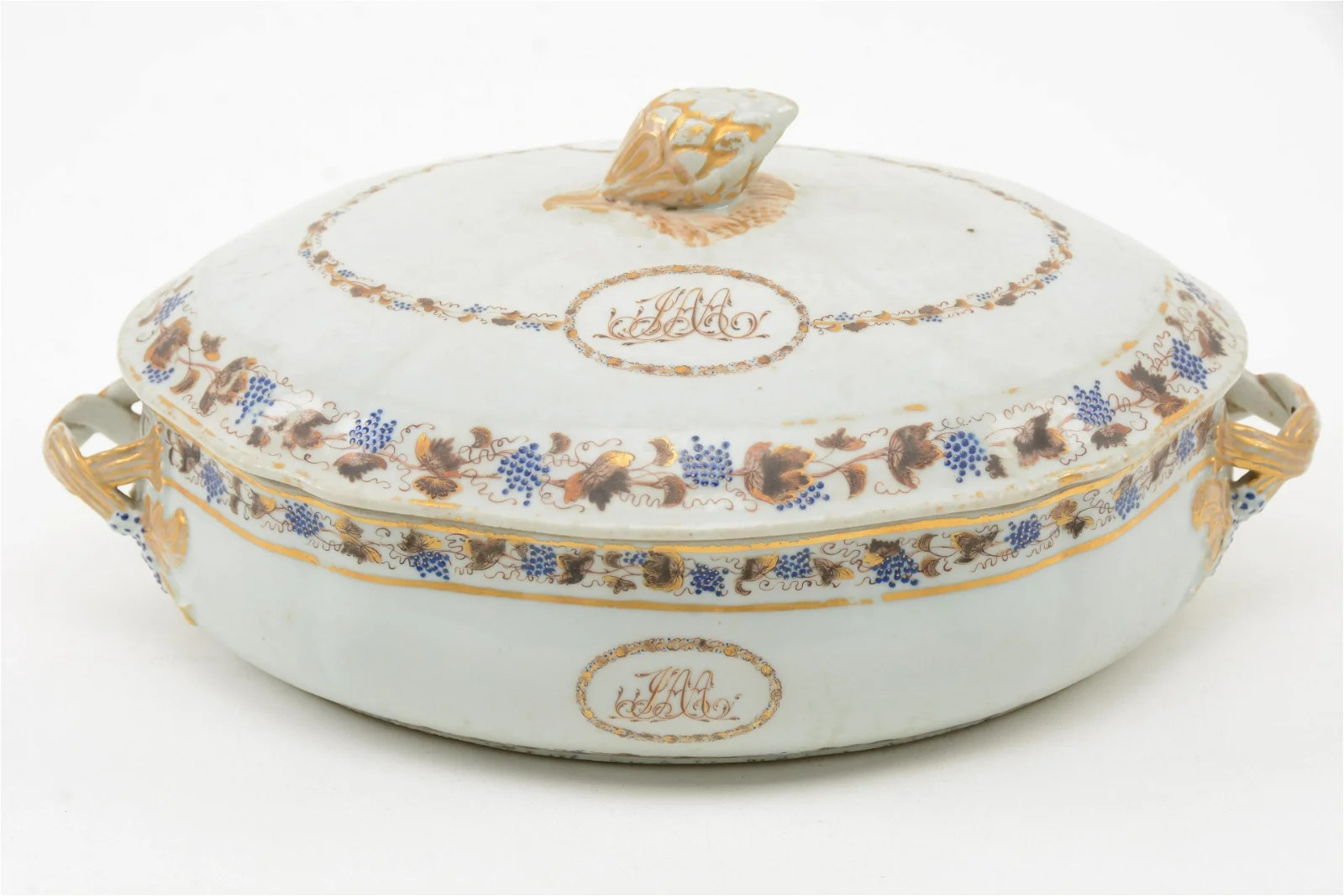 Chinese Export Porcelain Covered Vegetable Dish