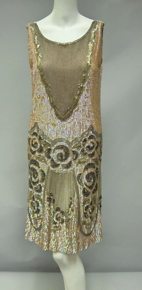 11019A: Beaded flapper dress, 1920s, In iridescent pink