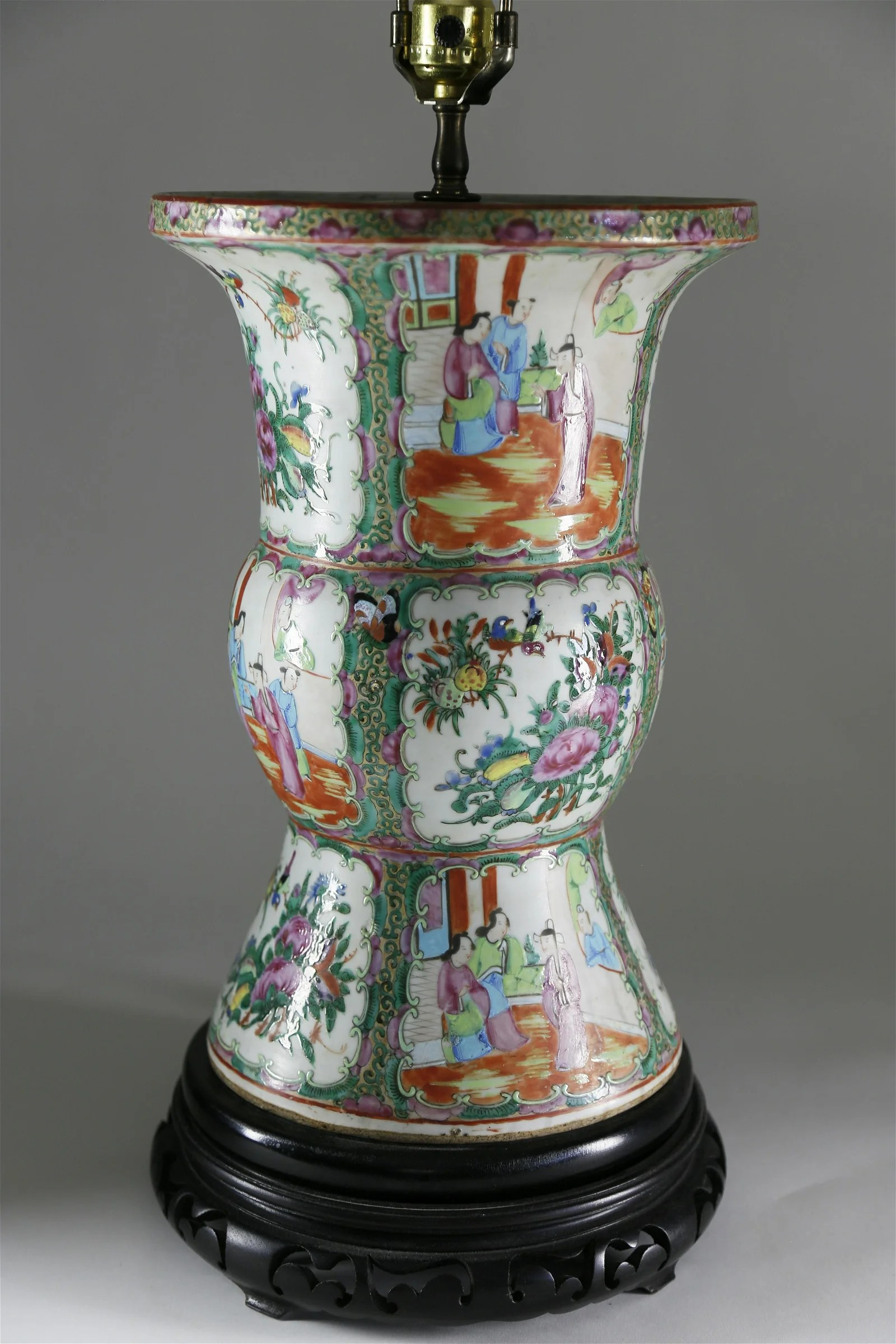 Chinese Rose Medallion Porcelain Lamp