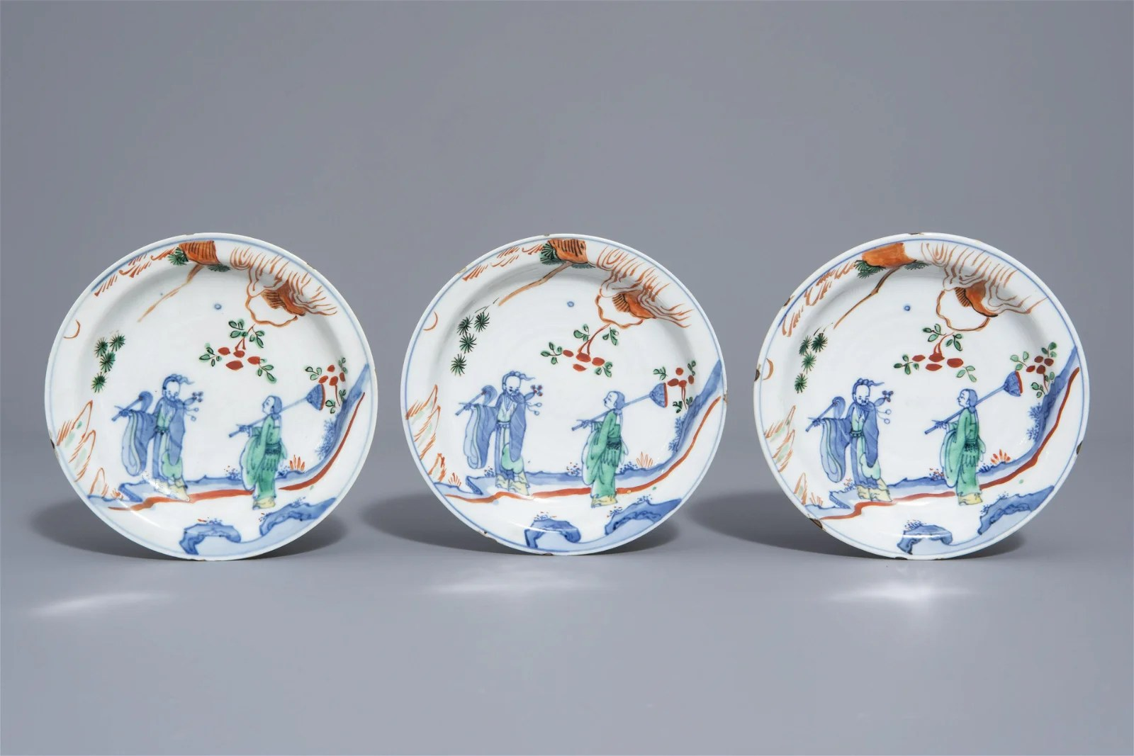 Three Japanese plates for the Chinese market with