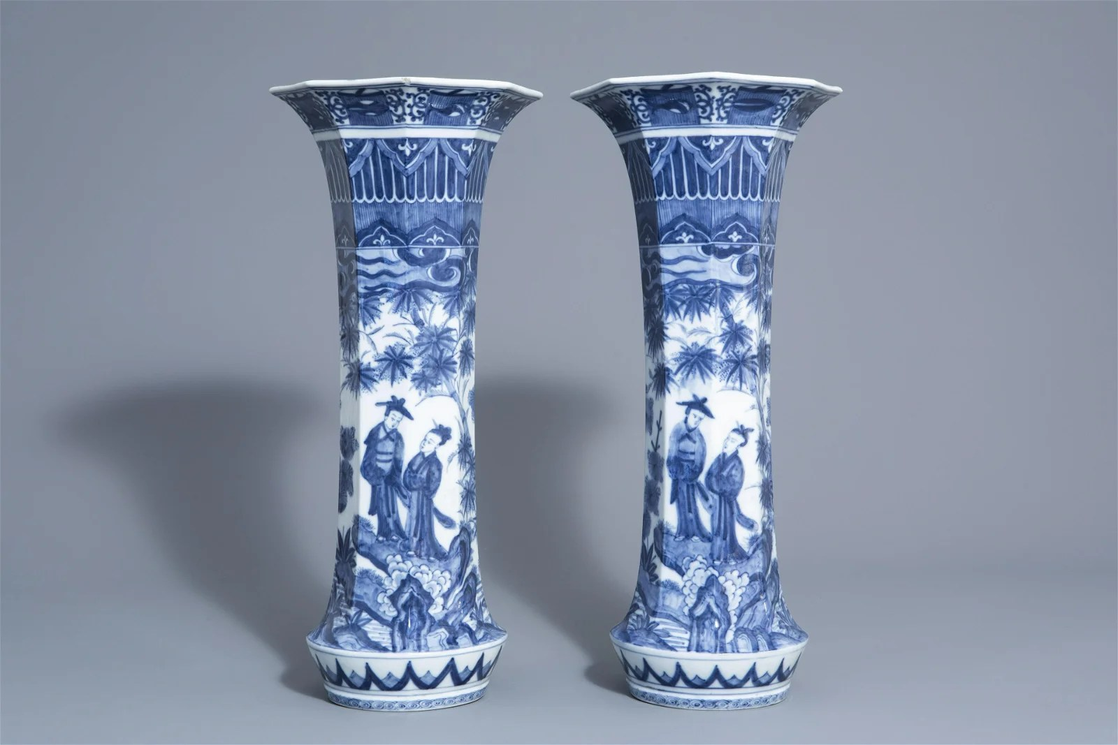 A pair of octagonal Japanese blue and white vases with
