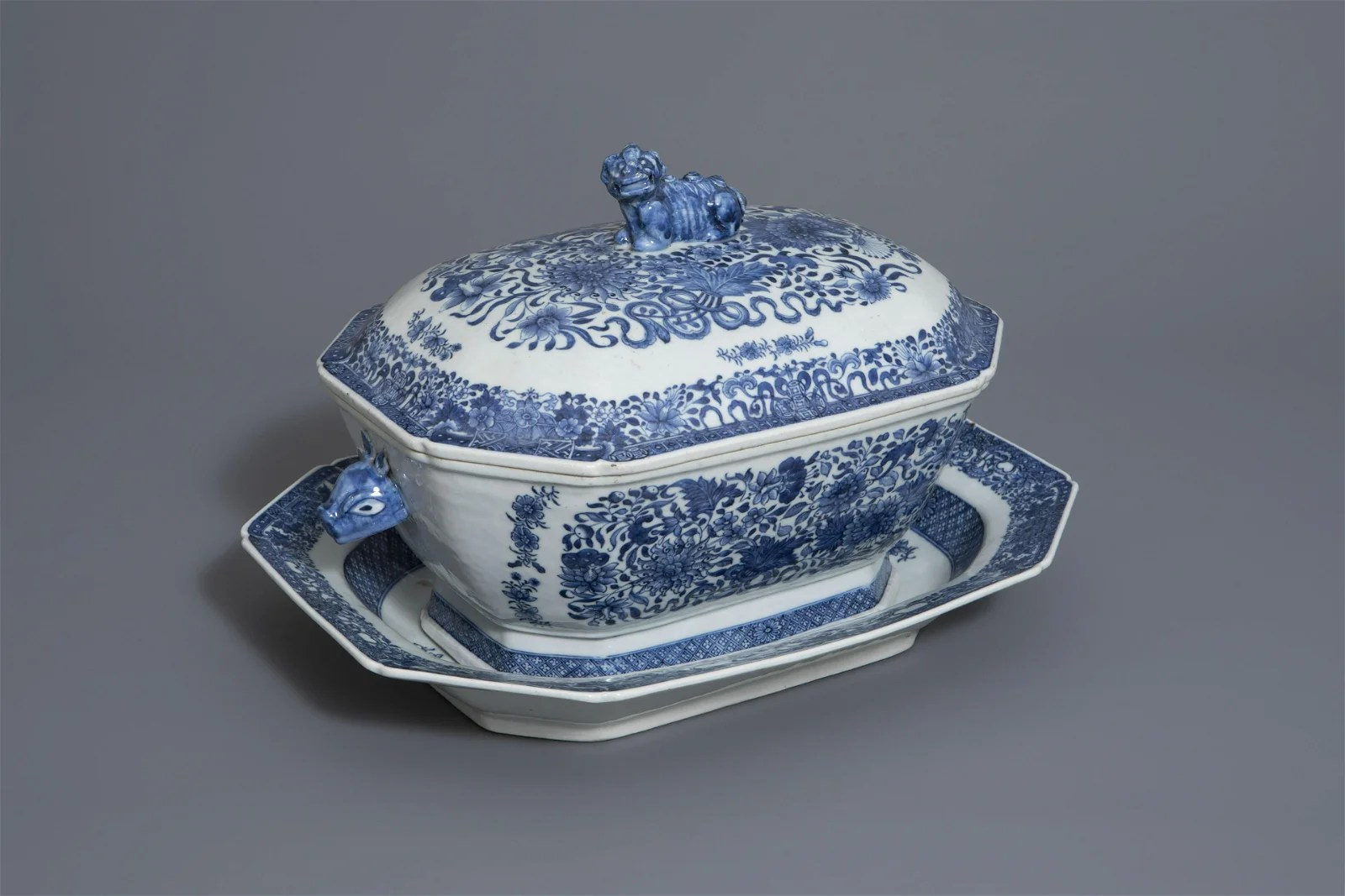 A Chinese blue and white tureen and cover on stand with