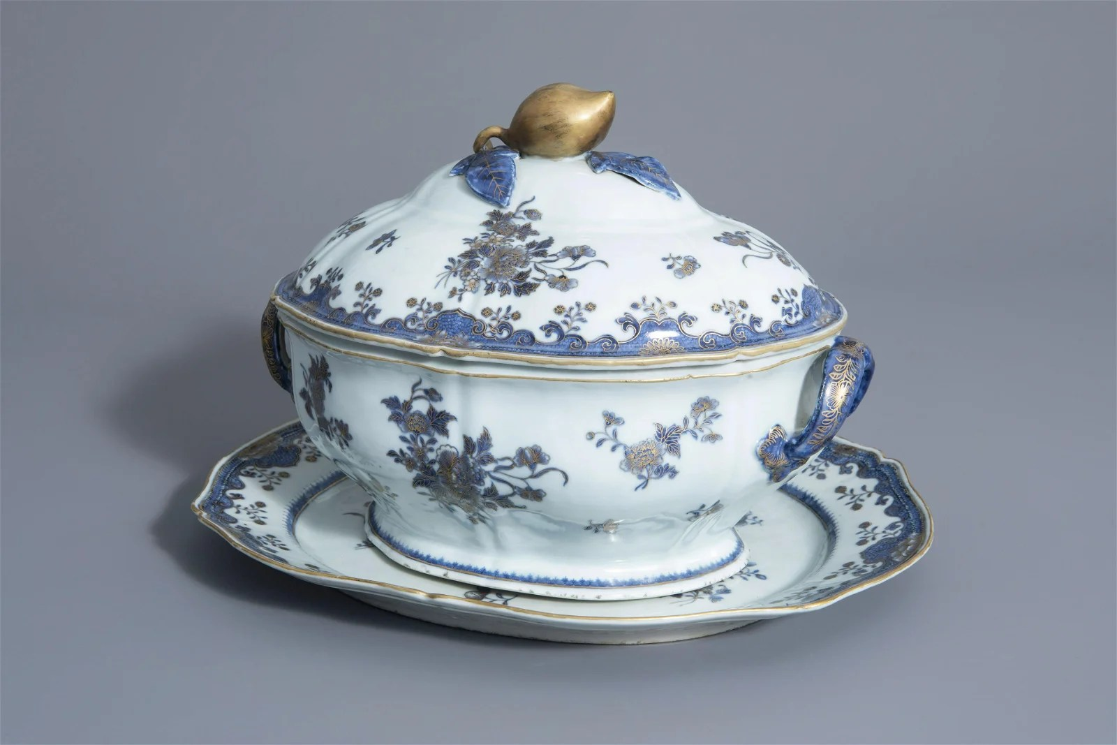 A Chinese blue, white and gilt tureen and cover on