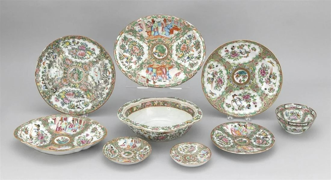 NINE PIECES OF CHINESE EXPORT ROSE MEDALLION AND