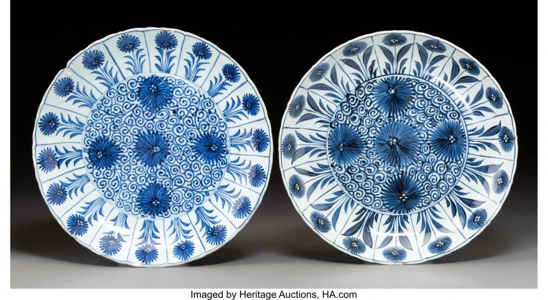 78118: A Near-Pair of Chinese Blue and White Porcelain