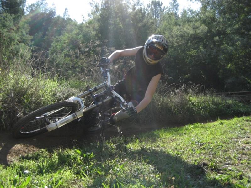 """//p1.pinkbike.com/photo/2631/pbpic2631205.jpg"""" contém erros e não pode ser exibida."""